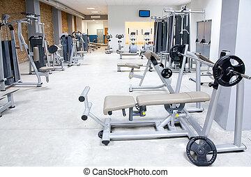 El gimnasio del club de gimnasia con interiores deportivos