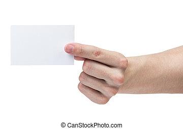 El hombre adulto muestra una tarjeta de visita en blanco