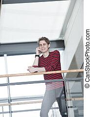 El hombre al teléfono
