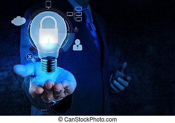 El hombre de negocios muestra icono de bombilla 3D con candado como concepto de negocio de seguridad en internet