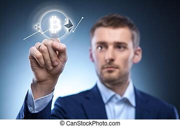 El hombre hace clic en Icon Bitcoin en pantalla virtual.