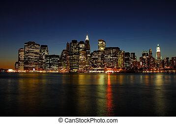 El horizonte de Manhattan por la noche