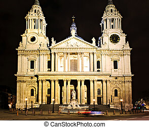 El london de la catedral de St. Paul por la noche
