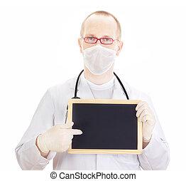 El médico muestra información en la pizarra