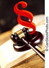 El martillo de la corte, el tema de la ley, el mazo del juez