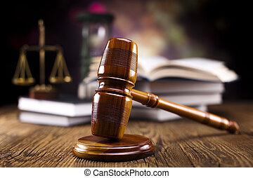 El martillo legal y los libros de leyes