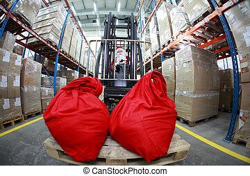 El montacargas de Santa Claus en el almacén