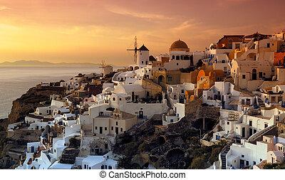 El pueblo de Oia, Santorini, Grecia