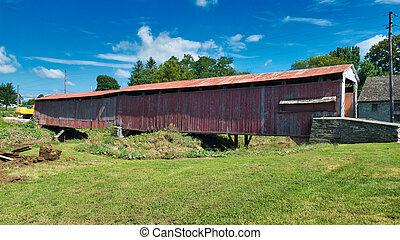 El puente Amish cubierto