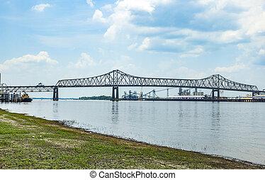 El puente del río Mississippi en Baton Rouge Louisiana