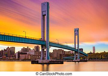 El puente Wards Island