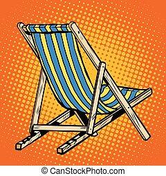 El sillón de cubierta rayado de la playa azul