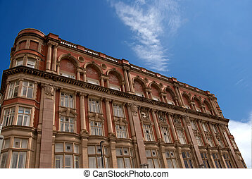 El viejo bloque de oficinas rojas