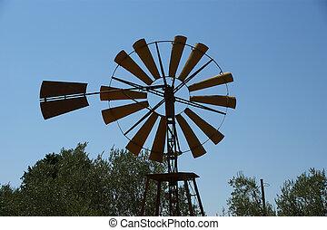 El viejo molino de viento del rancho