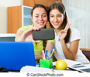 elaboración, foto, niñas, teléfono móvil