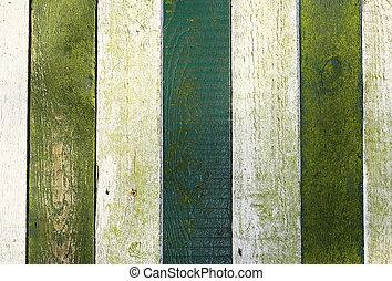 Empieza con madera pintada verde y blanca