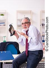 empleado, quiebra, hombre de negocios, concepto viejo