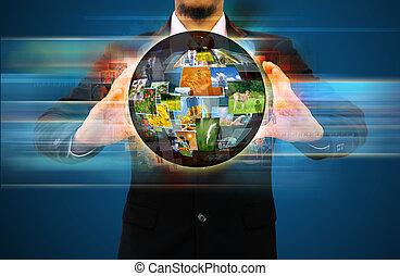 Empresario que tiene una red social mundial