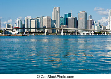 En el centro de Miami Skyline