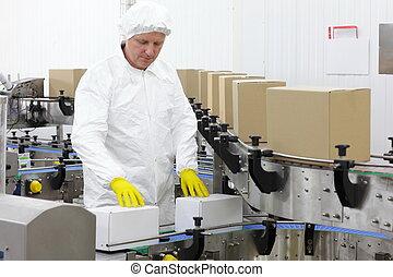 En la línea de producción de la fábrica