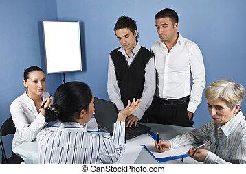 En medio de la reunión de negocios