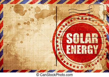 Energía solar, sello de grunge rojo en un fondo de correo aéreo
