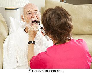 Enfermera de la salud de la casa