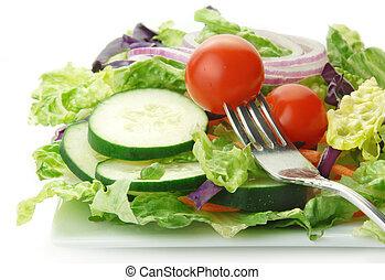 Ensalada con lechuga de pepinos de cebolla y tomate