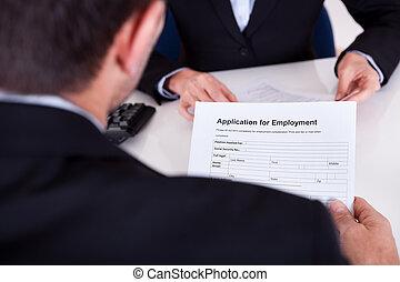 Entrevista de empleo y solicitud