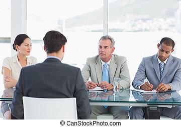 entrevista, trabajo, verificar, durante, reclutadores, candidato