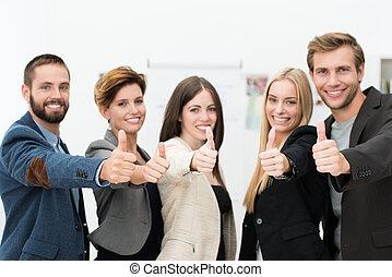 Equipo de negocios motivado
