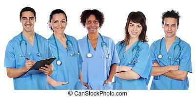 Equipo médico multiétnico