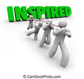 Equipo motivado inspirado trabajando juntos después de que el líder consiga éxito