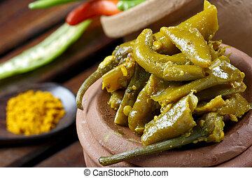 Escabeche chile, un popular pepinillo indio que contiene chile