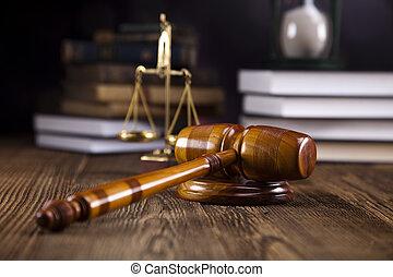 Escamas de justicia, martillo y ley bo