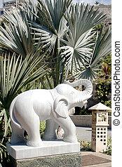 Escultura de elefante