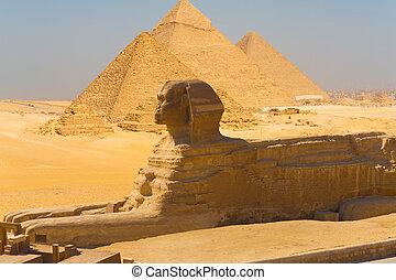 Esfinge vista lateral pirámides giza compone