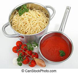 Espagueti y salsa