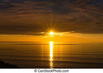 Espectacular fondo natural de la puesta de sol