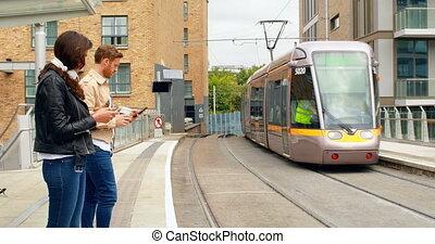 estación del ferrocarril, esperar, viajeros, tren, 4k