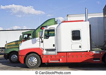 Estacionados semi-trucks