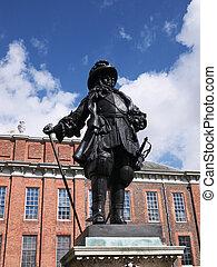 Estatua de william III en frente del palacio Kensington, Londres