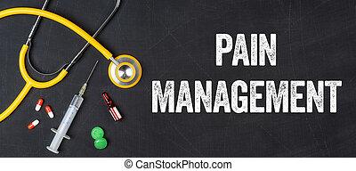 Estetoscopio y fármacos en una pizarra: manejo del dolor