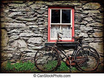 Estiércol de textura rural de Irlanda con bicicleta