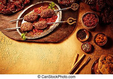 Estilo indio shish kebob cena con espacio copiado
