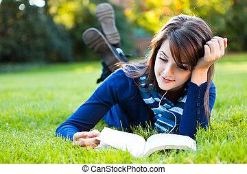 Estudiante universitario mixto