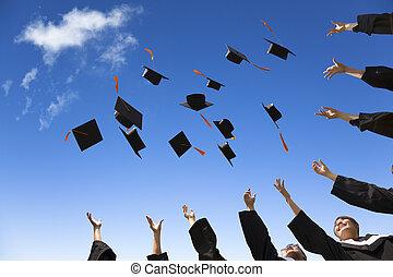 estudiantes, sombreros, graduación, aire, celebrar, lanzamiento