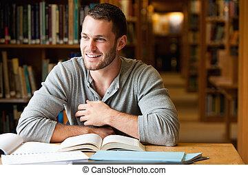 Estudiantil sonriente