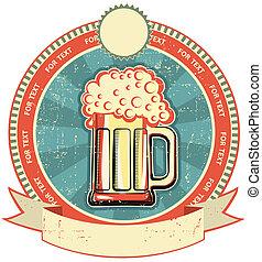 Etiqueta de cerveza en la textura de papel antiguo. Estilo de vintage