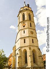 Excelente torre de una iglesia de piedra